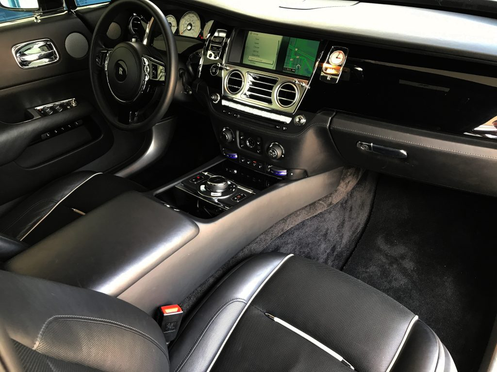 rolls royce wraith rental miami rent rolls royce at top speed exotics. Black Bedroom Furniture Sets. Home Design Ideas